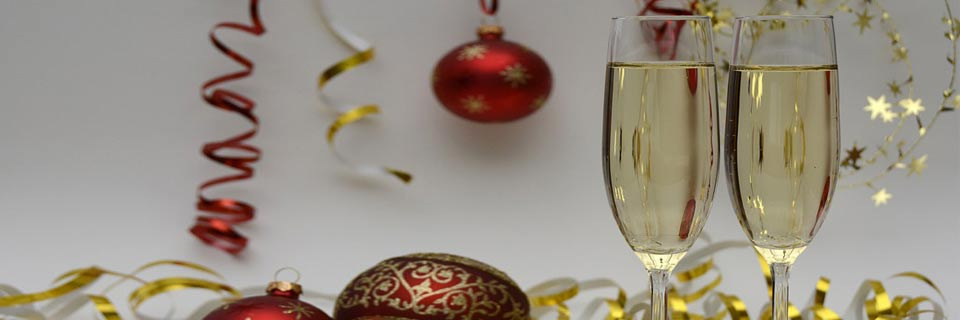 champagne-glasses-christmas