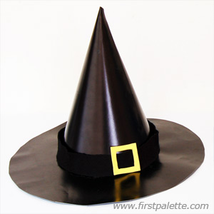 black pointed witch hat